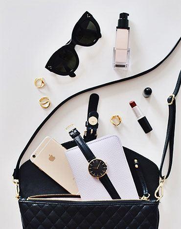 contents of a woman's handbag