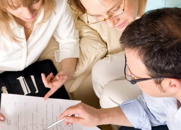 Ways Parents and Counselors Can Help Students Earn Scholarships